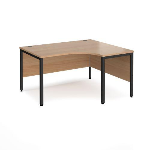 Maestro 25 right hand ergonomic desk 1400mm wide - black bench leg frame, beech top - Furniture