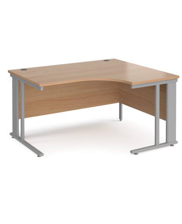 Maestro 25 right hand ergonomic desk 1400mm wide - black cable managed leg frame, beech top - Furniture